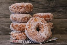 Sweet Bakery, Sweet Pastries, Bagel, Wine Recipes, Doughnut, Donuts, Goodies, Food And Drink, Gluten Free