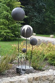 make these as planters for hens and chickens or succulents Best Picture For cottage Garden Planters For Your Taste You are looking for something, and it is going to tell you exactly what you are looki Garden Totems, Garden Art, Garden Sculpture, Garden Planters, Concrete Crafts, Concrete Art, Raku Pottery, Pottery Sculpture, Garden Globes