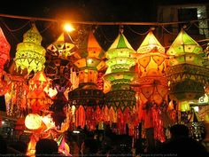 Beautiful Indian Textile Fabric Multi-Colored Lanterns during the festival of Lights - Diwali or Deepavali. You can find more amazing pictures of these beautiful cloth lanterns of India at http://amitkulkarni.info/pics/diwali-2007/