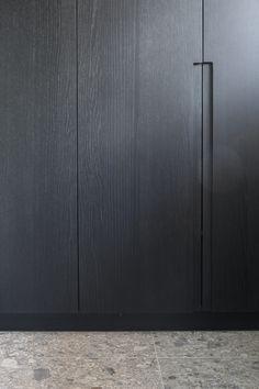 Door handle detail - Project GF in Knokke Belgium Wardrobe Design Bedroom, Wardrobe Furniture, Built In Furniture, Wardrobe Doors, Wardrobe Closet, Cool Furniture, Furniture Design, Kitchen Handles, Door Handles