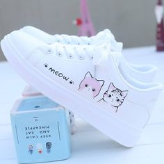 Moda Sneakers, Sneakers Mode, White Sneakers, Shoes Sneakers, Chunky Sneakers, Adidas Shoes, Sneakers Style, Canvas Sneakers, Converse Shoes