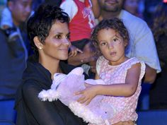 40 Celebrity Mothers Who Had Children After 40