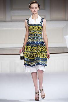 Oscar de la Renta Spring 2010 Ready-to-Wear Collection Slideshow on Style.com