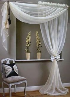 Awesome Window Treatment Ideas and Curtain Designs Photos - Sight our collection of developer window treatments and also customized window coverings for your residence. From ranch shutters to easy DIY draperies, find ideas for upgrading your decor. Curtain Styles, Curtain Designs, Curtain Ideas, Ideas For Curtains, Home Curtains, Hanging Curtains, Velvet Curtains, Country Curtains, Modern Curtains