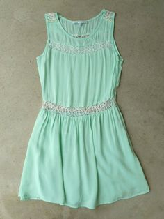 Pearls and Lace Dress in Mint