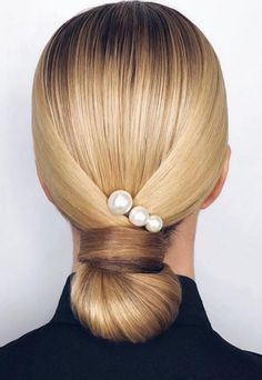Wedding hair inspo featuring beautiful pearls via . Elegance Hair, Pigtail Hairstyles, Braided Hairstyles, Elegant Hairstyles, Wedding Hairstyles, Bridal Hairstyle, Hairstyle Braid, Hairstyle Ideas, Hair Inspo
