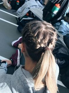 72 Easy And Cute Back To School Hairstyles You Must Try Easy Hairstyles cute Easy hairideas hairschoo Hairstyles School Medium Hair Styles, Curly Hair Styles, Braid Hair Styles, Hair Medium, Athletic Hairstyles, Softball Hairstyles, Running Hairstyles, Cheerleader Hairstyles, Softball Hair Braids