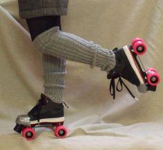 Pour tricoter des jambières il faut : 3 pelotes de laine oxygène de Phildar un jeu de 5 aiguilles n°3 Monter 76 mailles sur votre jeu d'aiguilles , tricoter sur 60 cm. Si vous ne savez pas tricoter avec 5 aiguilles, tricoter avec 2 aiguilles et faire...