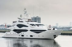 Luxury Yacht ZOZO by Sunseeker