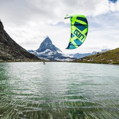 Absolutely stunning scenery here in the Swiss lakes with @gin_kiteboarding #Kites