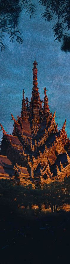 Thailand Temple - photo from #treyratcliff Trey Ratcliff at http://www.StuckInCustoms.com