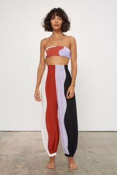 Fashion Tips Body .Fashion Tips Body Fashion Week, Look Fashion, 90s Fashion, Fashion Outfits, Fashion Tips, Fashion Design, Fashion Trends, French Fashion, Fashion 2020
