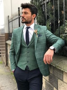 Available Size : material : cotton , linenMachine washable : No Fitting : slim-fit Remarks : Dry Cleaner Plaid Suit, Suit Vest, Plaid Blazer, Mens Fashion Suits, Mens Suits, Green Suit Men, Blazer Outfits Men, Designer Suits For Men, Men Formal