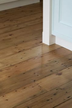 Victorian Pine Floorboards - Reclaimed Pine - The Antique Oak Flooring Company Reclaimed Oak Flooring, Pine Wood Flooring, Modern Wood Floors, Rustic Wood Floors, Floating Floorboards, Spare Bedroom Decor, Victorian Flooring, Cottage Lounge, Wood Floor Colors