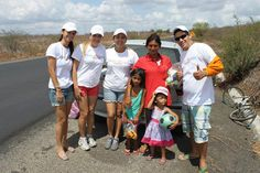 Alegria Leo Club Brazil - Leos brought toys and food to underprivileged children.