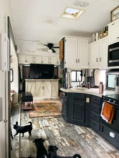The Kitchen in This Tiny Home on Wheels Is Amazingly Luxurious Tiny House On Wheels Amazingly Home K&; The Kitchen in This Tiny Home on Wheels Is Amazingly Luxurious Tiny House On Wheels Amazingly Home K&; Paul Janson […] Tiny Homes On Wheels Tiny House Living, Rv Living, Mobile Living, Small Living, Living Room, Camper Renovation, Home Renovation, Camper Remodeling, Rv Interior Remodel