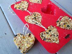 Preschool Crafts for Kids*: Valentine's Day Heart Bird Seed Feeder Craft.Give the birds some love too ♥ Valentine's Day Crafts For Kids, Valentine Crafts For Kids, Valentines Day Treats, Holiday Crafts, Valentine Party, Kids Diy, Valentines Fundraiser Ideas, Science Valentines, Valentines Games