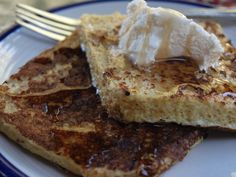 I tested this recipe for a low-carb, protein-rich French Toast from the Dukan Diet dessert cookbook. It's not the best French toast ever, but it's an healthy substitute. Dukan Diet Plan, Dukan Diet Recipes, No Carb Recipes, Cooking Recipes, Vegetarian Cooking, Points Plus Recipes, Dessert Recipes, Breakfast Recipes, Breakfast Dishes
