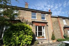 Houblon Road - Richmond. 3 bedrooms, garden, Alberts location.