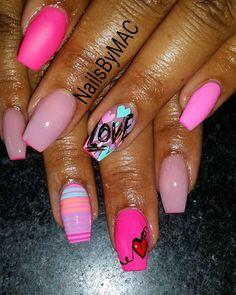 #ValentinesDayNails #differentnails #freehand #nailart #neat #clean #sculptedset #coffinnails #Love #bgdn #inmnails #tammytaylornails #bntc #bntc2 #nails #DETROITnails #NailsByMAC