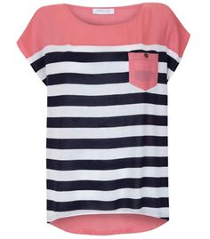 I can't get enough of striped shirts or this kind of cut/material Looks Style, Style Me, Vetements Clothing, Look Fashion, Womens Fashion, Fashion Shoes, Girl Fashion, Striped Polo Shirt, Aeropostale