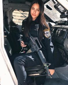 חודש לסוף 👮🏻♀️ #airsoftloadout,airsoftsetup,airsoftgear,operatorloadout,sasloadout,specialforcesloadout,pmcloadout,pmcloadoutplatecarrier,swatpolice,armedpolice,divisionloadout