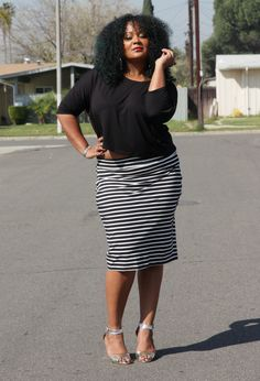 I love this outfit for being very simple but still stylish. Black and white is always a winner.