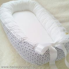 Choose Blue patterns or Grey patterns / Including Lace on the bumpers and Satin ribbon Bow / Babynest - baby nest