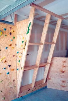 The Hahn's Homebuilt Climbing Wall (in our Garage) Indoor Climbing Wall, Kids Climbing, Rock Climbing, Indoor Bouldering, Bouldering Wall, Diy Home Gym, Cool Room Decor, Activity Room, Indoor Playground
