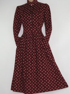 e68b2a71c680 LAURA ASHLEY Vintage Ditsy Floral Spray Fine Cotton Needlecord Day Dress,  Made In Carno/Wales, UK 10