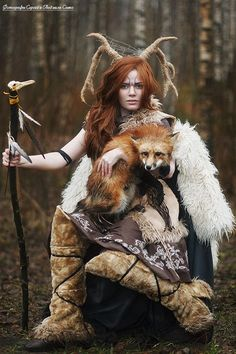 This is NOT Native American! This wonderful photo is a fantasy cosplay… Foto Fantasy, Fantasy World, Fantasy Art, Dark Fantasy, Cosplay, Character Inspiration, Character Design, Fantasy Photography, Larp