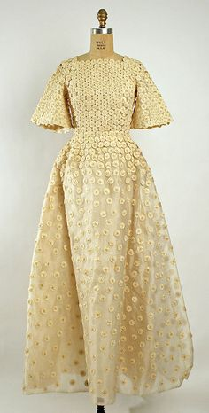 Wedding dress 1973 - Emma Gibbs-Battie - Take a look at the detail.