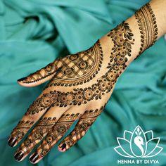 Flower chain henna