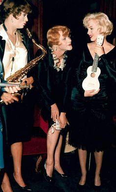 Tony Curtis, Jack Lemmon & Marilyn Monroe Some Like It Hot (1959)