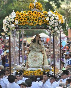 Te presentamos la selección especial: <<DIVINA PASTORA>> en Caracas Entre Calles. ============================  F E L I C I D A D E S  >> @danielblancoe << Visita su galeria ============================ SELECCIÓN @mahenriquezm TAG #CCS_EntreCalles ================ Team: @ginamoca @huguito @luisrhostos @mahenriquezm @teresitacc @marianaj19 @floriannabd ================ #Barquisimeto #Venezuela #Instavenezuela #Gf_Venezuela #GaleriaVzla #Ig_GranCaracas #Ig_Venezuela #IgersMiranda…