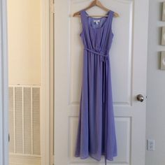 Long dress This dress flows beautifully , like new only worn a few times. Forever 21 Dresses