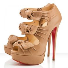 Louboutin Madame Butterfly Booty 150 Leder Nackt #heels