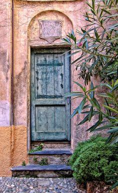 Portofino, Italy Wat een mooie kleuren.