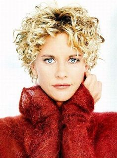 Meg Ryan she is so pretty I LIKE FROM YOU'VE GOT MAIL