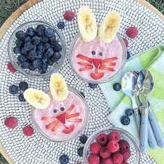 🐰🍓Pink Bunny Smoothie Bowls🍓🐰 An easy way to have a little festive fun! Plus, it adds in some fruits and veggies any time of the day! Easy Holiday Recipes, Easy Recipes, Easter Snacks, Adrenal Fatigue, Smoothie Bowl, Long Weekend, Fruits And Veggies, Happy Easter, Acai Bowl
