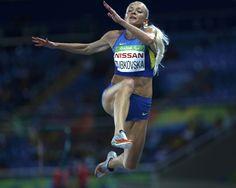 Українська легкоатлетка Оксана Зубковська виграла золоту медаль в стрибках у довжину на XV Паралімпіаді-2016, що триває в Ріо-де-Жанейро.  http://zik.ua/news/2016/09/14/oksana_zubkovska_vygrala_zoloto_paralimpiady2016_v_strybkah_u_dovzhynu_862422