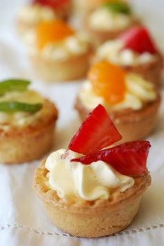 mini tarte cu fructe Romanian Desserts, Romanian Food, Mini Muffins, Cake Shop, Special Recipes, Mini Cakes, Sweet Treats, Cheesecake, Good Food