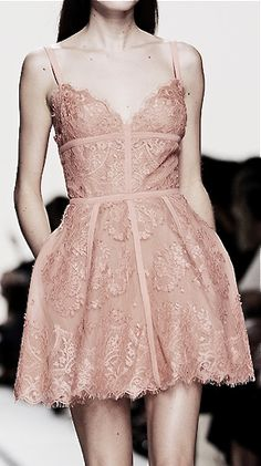 Elie Saab. I would love to know the lady who could wear this with the fragile, delicate, pure, look that it deserves.