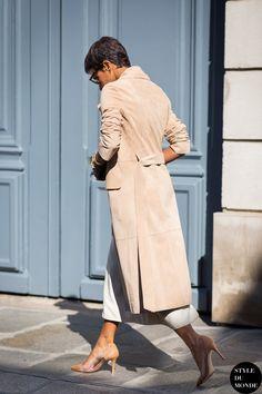 See the best women street style outfits and fashion trends. Street Look, Street Chic, Paris Street, Street Wear, Princess Deena Aljuhani Abdulaziz, Look Fashion, Womens Fashion, Street Fashion, Fashion Outfits