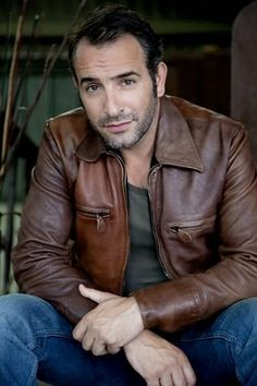 Jean Dujardin, this is what my future husband should look like...he should be french too...or italian....I can't really be picky :P