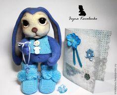 Купить Хранитель пинеток - голубой, Валяние, валяная игрушка, войлочная игрушка, заяц, заяц игрушка