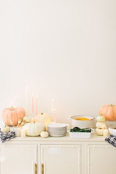 love this peach, ivory and gold color palette for Thanksgiving