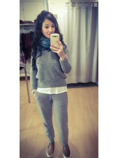 #stefanel #stefanelvigevano #look #moda #trendy #shopping #negozio #shop #vigevano #lomellina #piazzaducale #lana #wool #outfits #outfitoftheday #sweater #maglia #collection #pants #woman #selfie #sleepon #glitter #grey #instalook #outfit