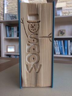 Book Folding Patterns, Pattern Books, Book Sculpture, Sculptures, Old Book Art, Cute Snowman, Snowmen, Paper Folding, Altered Books