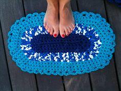 Alfombra de ganchillo con #trapillo · Catifa amb #ganxet de trapillo · #Crochet carpet made with rug clothes coil. @cristinacrea